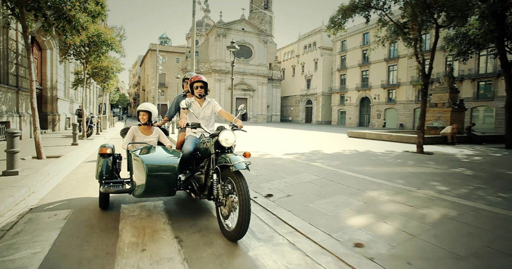 Exploring the Old Quarter during a Barcelona sidecar motorcycle tour.